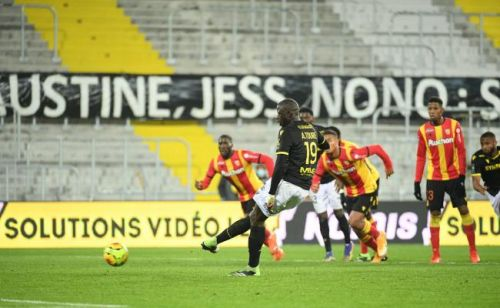 Ligue 1:  Lens et Nantes se neutralisent