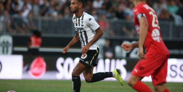 Foot - L1 - Ligue 1:  Angers s'impose face à Nice et voit pointer le maintien
