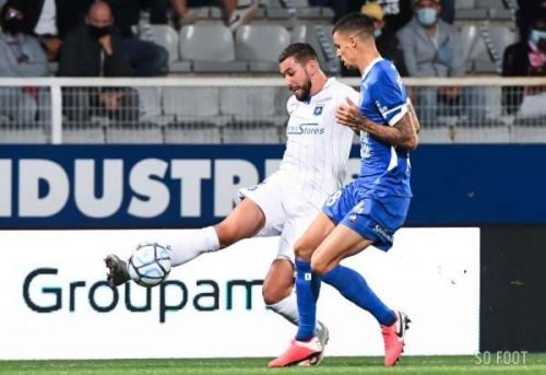 Auxerre chevauche Troyes