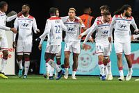 Ligue 1: Depay sublime Lyon qui gagne à Guingamp