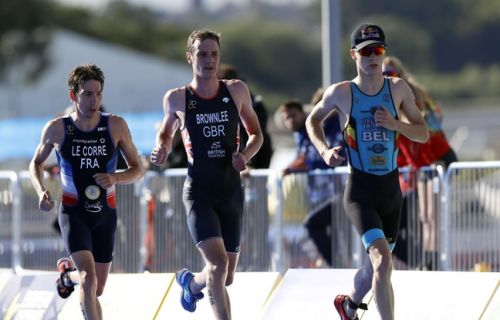 VIDEO. Pierre Le Corre sacré champion d'Europe de triathlon