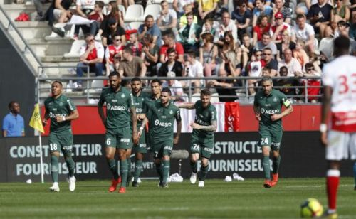 Saint-Etienne poursuit sur sa lancée à Reims (0-2)