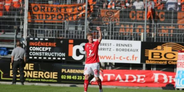 Foot - L2 - Ligue 2:  Brest se détache, le Red Star se relance