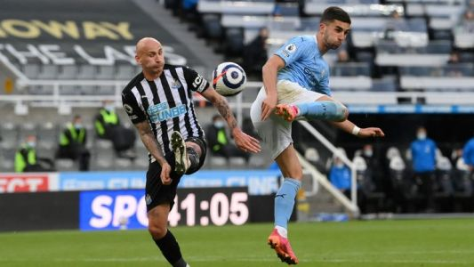 Manchester City s'impose à Newcastle, Ferran Torres inscrit un triplé, dont un superbe but